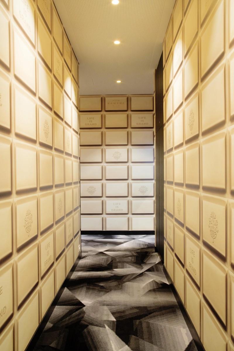 Современный дизайн интерьера отеля Kameha Grand Zurich 17