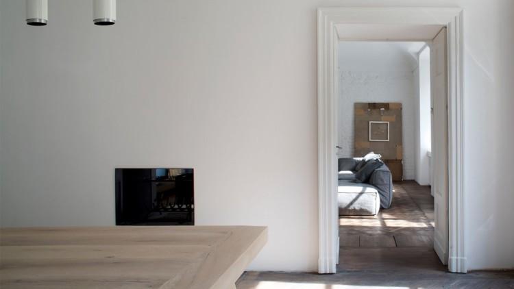 Современный дизайн интерьера гостиной апартаментов в Италии