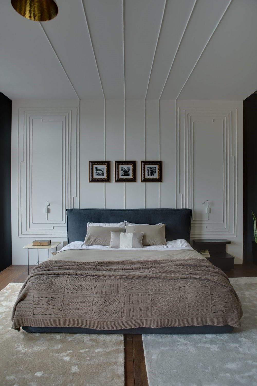 Современный дизайн интерьера спальни апартаментов в индустриальном стиле 2