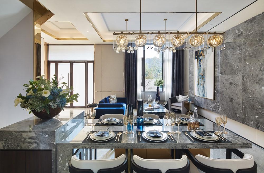 Современный дизайн интерьера столовой виллы в классическом стиле 3