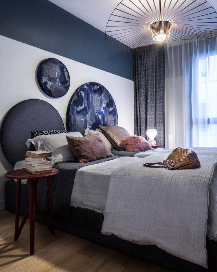 Современный дизайн интерьера спальни квартиры с террасой 2