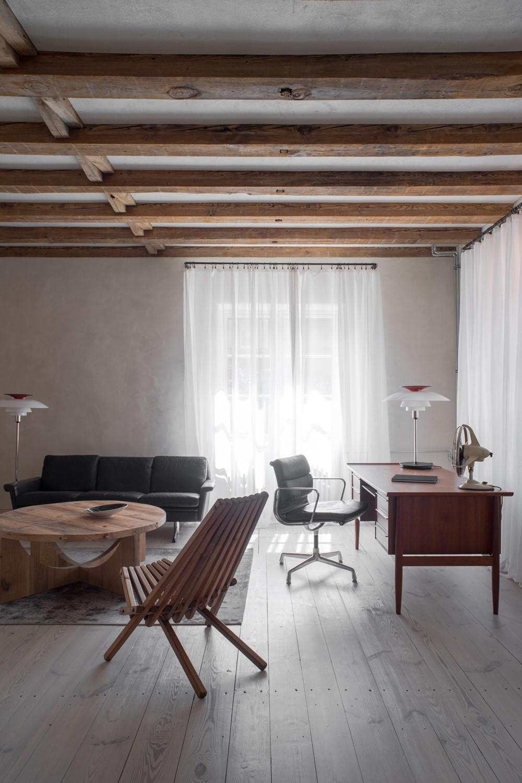 Современный дизайн интерьера кабинета дома Pogodno 6 от Loft Kolasiński 2