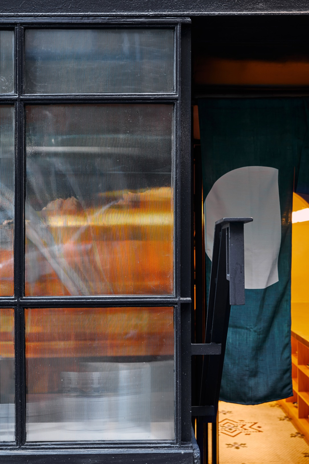 Современный дизайн интерьера ресторана Tsukimi в Нью-Йорке 8