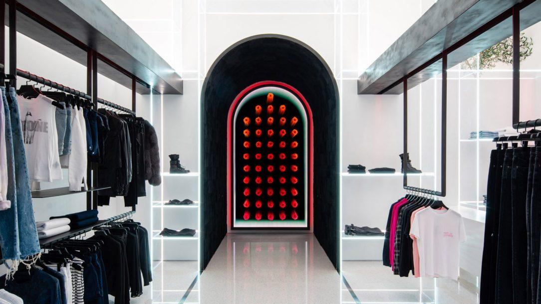 Современный дизайн интерьера бутика RTA в минималистском стиле 2
