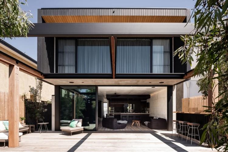 Современный дизайн интерьера дома Vodka Palace в промышленном стиле 2