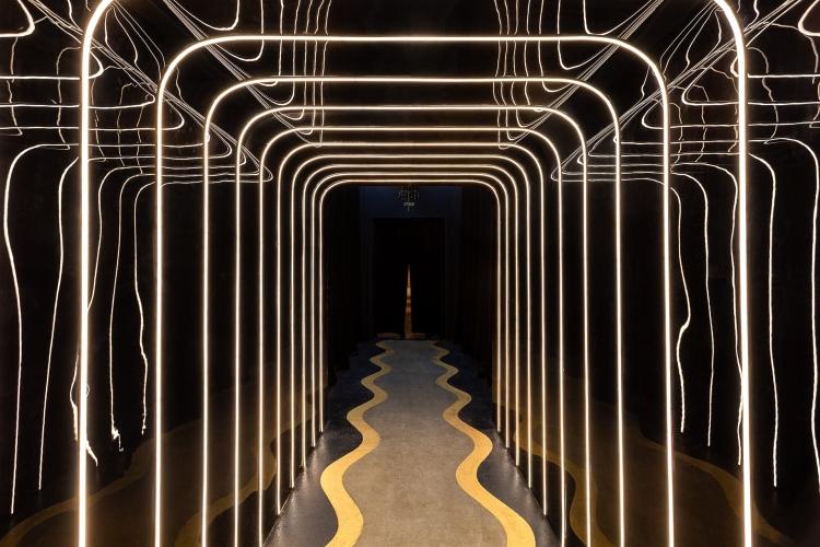 Современный дизайн интерьера бара Schweppes Bar в космическом стиле 8