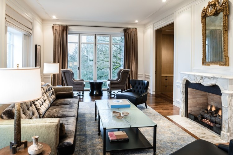 Современный дизайн интерьера гостиной резиденции Harvard-Belmont Residence