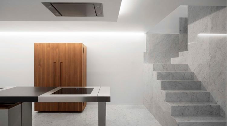 Современный дизайн интерьера столовой пентхауса на Коста Бланке в минималистском стиле